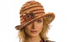 Bayan Örgü Şapka Modelleri ve Bere Örnekleri