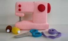 Kız Bebekler İçin Örgü Oyuncak Dikiş Makinası
